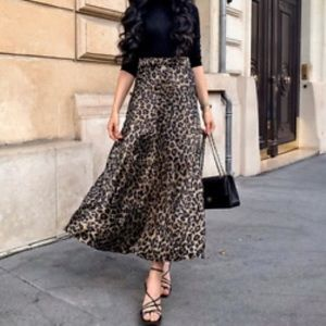 Zara Leopard Print Long Skirt size S (never worn)